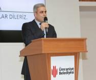 Ümraniye Belediye Başkanı Hasan Can Pazar Esnafıyla