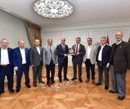 Üsküdar Belediye Başkanlığı'na yeniden seçilen Sn.Hilmi Türkmen'e hayırlı olsun ziyaretinde bulunduk.
