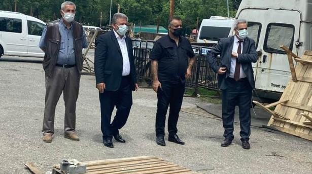 Beykoz Yalıköy Pazaryeri'nin önemli giriş-çıkış noktalarından biri olan bölümünde;I.B.B.iştiraki şirketi İSPARK A.Ş.'nin talebiyle Yol Yapı Müdürlüğü tarafından yapılan çevre düzenlemesi ve kaldırım çalışmasından dolayı bu yolun kapanmaması için yaptığımız girişimler sonucunda yetkililerle pazaryeri